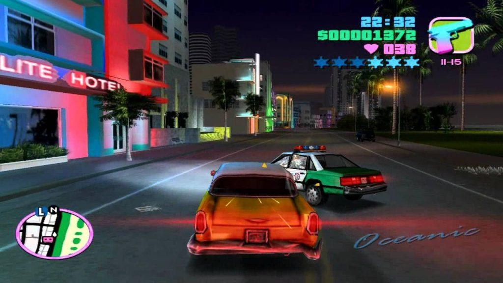 Một màn đụng độ với cảnh sát trong game GTA vice city